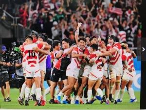 日本、勝つ